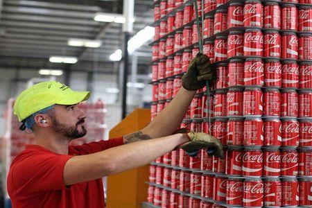 27 Feb 2020 wincanton-coca-cola-hellenic-pick-and-pack-728@2x.jpg