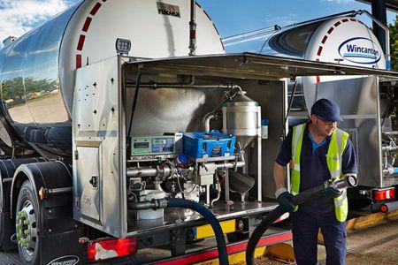 17 september 2019 wincanton-milk-tanker-728@2x.jpg